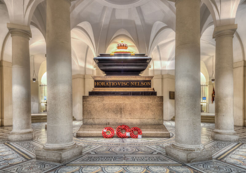 tomb of horatio nelson at st pauls cathedral